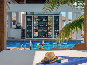 Pool bar in Cayo Cruz Cuba. Fly fishing in Cuba.